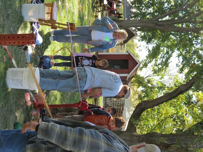 2012fallfestday1-121